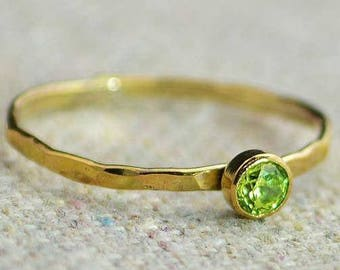Dainty Gold Peridot Ring, Hammered Gold, Stackable Rings, Mother's Ring, August Birthstone Ring, Peridot, Rustic Peridot Ring, 14K Gold Fill