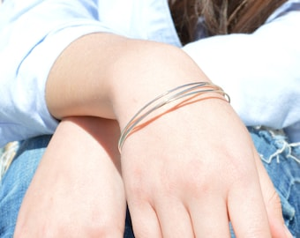 Thin Silver Bangle, Round Bangle, Thin Bangle, Stacking Bangles, Sterling Silver Bangle, silver bracelet, stacking bangle, silver bangle