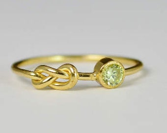 14k Gold Peridot Infinity Ring, 14k Gold Ring, Stackable Rings, Mother's Ring, August Birthstone Ring, Gold Infinity Ring, Gold Knot Ring
