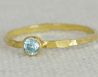 Dainty Gold Filled Aquamarine Ring, Hammered Gold, Stacking Rings, Mothers Ring, March Birthstone Ring, Aquamarine Ring, Aqua Ring, Alari