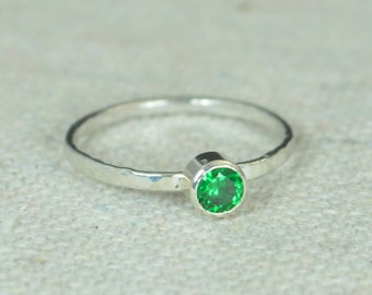 Small Emerald Ring, Mother's Ring, Hammered Silver, Stackable Rings, Mother's Ring, May Birthstone, Skinny Ring, Birthday Ring