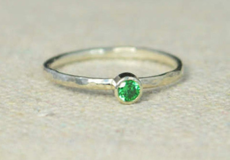 Classic Sterling Silver Emerald Ring 3mm Silver Solitaire image 0