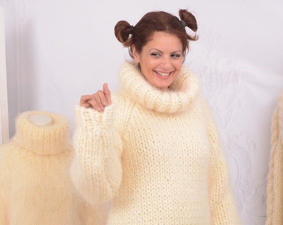 Ready to ship in size L , 10 strands Mohair Sweater, Raglan Sleeve jumper, Tiffy Mohair Sweater  T742
