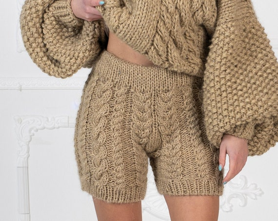 Ready to ship in size S, Cable Knit Wool knitted Shorts, Soft wool pants  T964