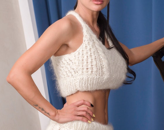Hand Knit Mohair Bralette in Cream, Fluffy Bra, Fitted Crop Top, Cropped Yoga Top, Knit Bustier Top, Custom Made Bra T889B