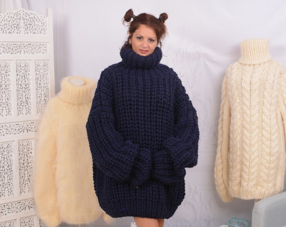 3 kg. Oversized Wool Sweater, Thick Hand Knitted Jumper T750
