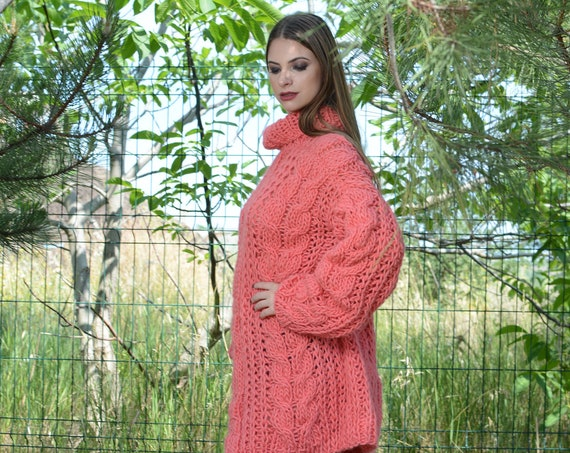 Corail Cable knit wool sweater hand knitted on big needles T796
