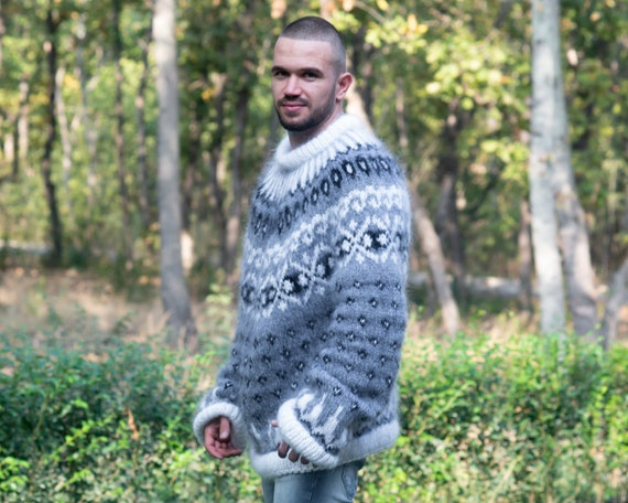 Nice Icelandic sweater  made of soft mohair T838M