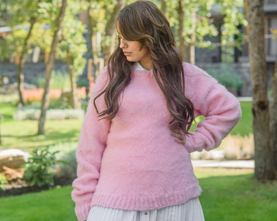 Ready to ship sweater in size 2XL, Italian mohair and lambswool mix, Very soft and sensual Pink sweater, Fluffy hand knit jumper T852