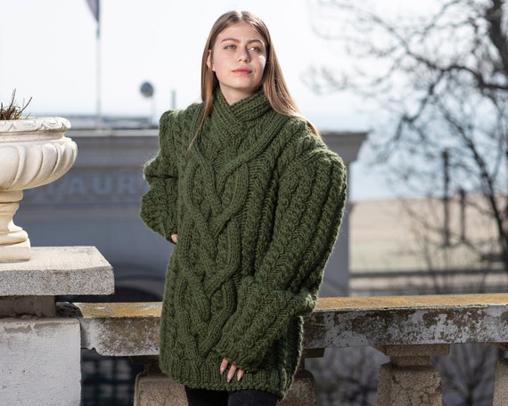 Green Cable knit sweater, 100 % wool sweater , V neck woolen sweater  T1028