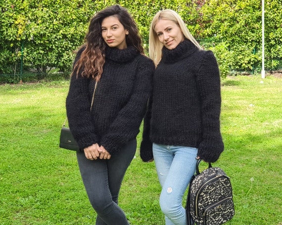 6 STRANDS Mega thick and fuzzy hand knitted mohair sweater, unisex handgestrickte pullover in black by Tiffy Mohair