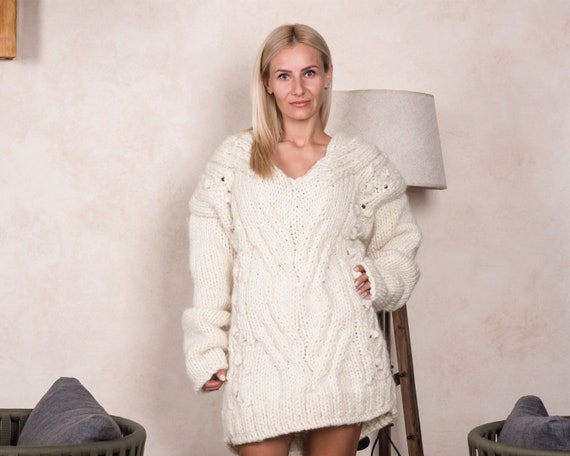 Chunky Knit Sweater , Hand Knitted Jumper,  Sustainable Knitwear, Cable Knit Jumper, Women Knitwear, Boho Sweater T809