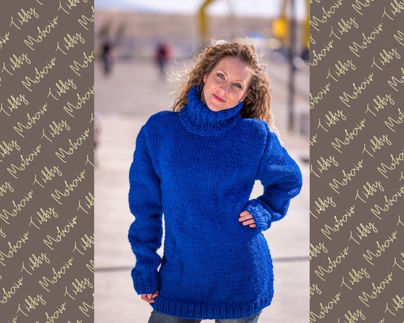 100 % Soft Wool Sweater in blue T514