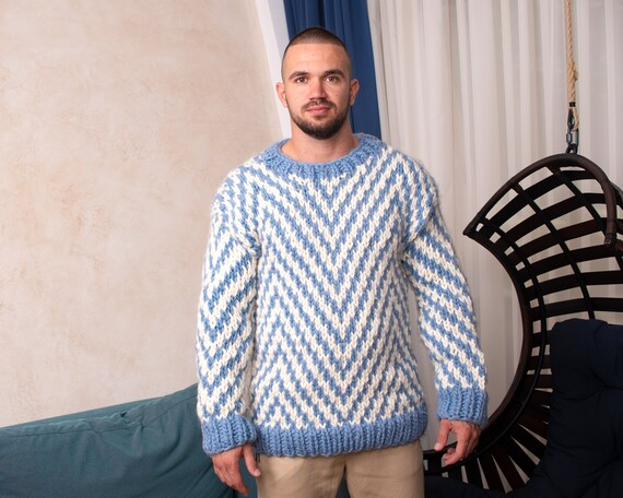Chunky zig zag blue and white wool sweater, Hand knitted soft woolen jumper T820M