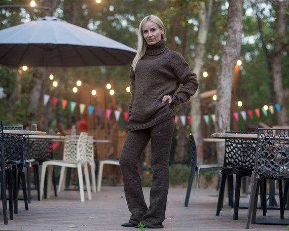 Ready to ship pants in size XS, Brown Itchy 100 % Wool Knit Leggings - Women's Knit Sweater Pants  -  Natural Fiber Clothes T881