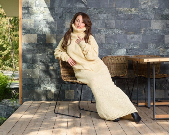 Itchy wool sweater dress, Cream Hand knitted Maxi Dress, 100 % Wool Robe T890