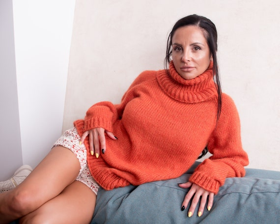 Extremely soft Extra Fine  Italian Merino wool, Turtleneck Women Sweater, Scandinavian Style, Minimalist Clothing, Basic Baggy Knitwear T853