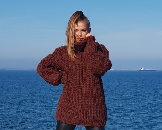 Brown Hand knitted Wool Sweater T665