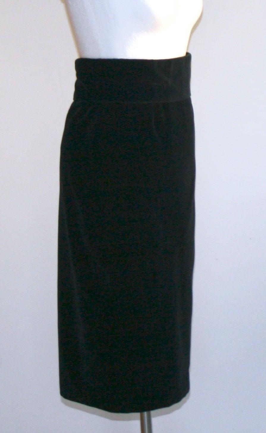 4665ce87d Falda de terciopelo negra  falda midi   falda recta   falda