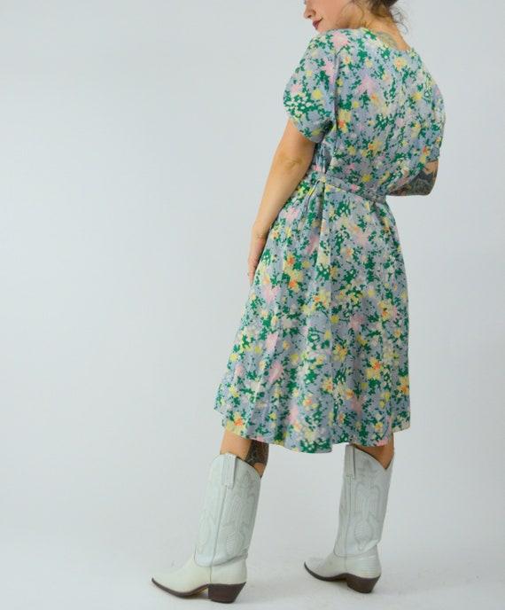 MEDIUM 1940s Cotton Day Dress Vintage Floral Shir… - image 4