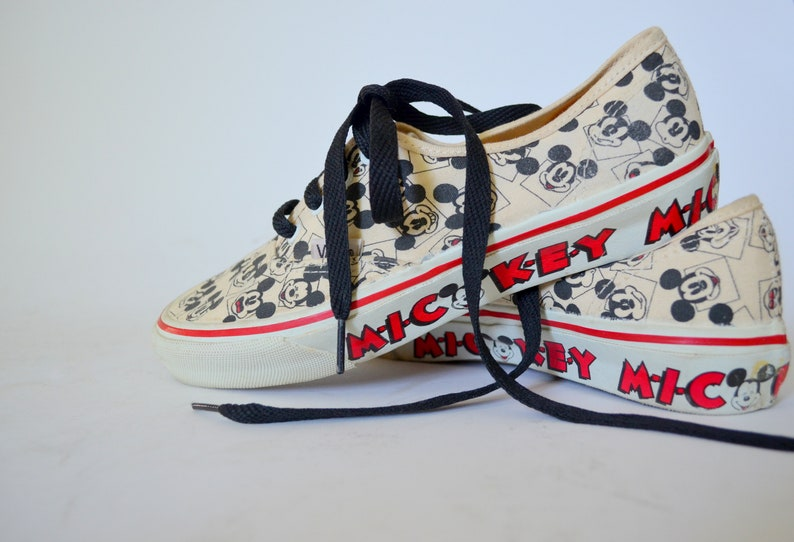 977dba1d78 Mickey Mouse 1990s VINTAGE VANS 90s Disney Sneakers Womens 8