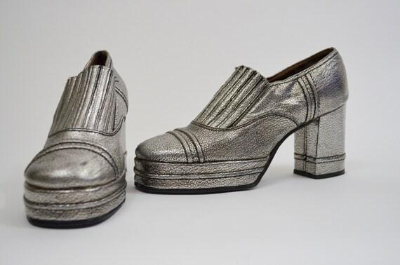 1970er Jahre Silber Plateau Schuhe | 6 | Vintage Schlupf auf 70er Jahre Disco SBICCA