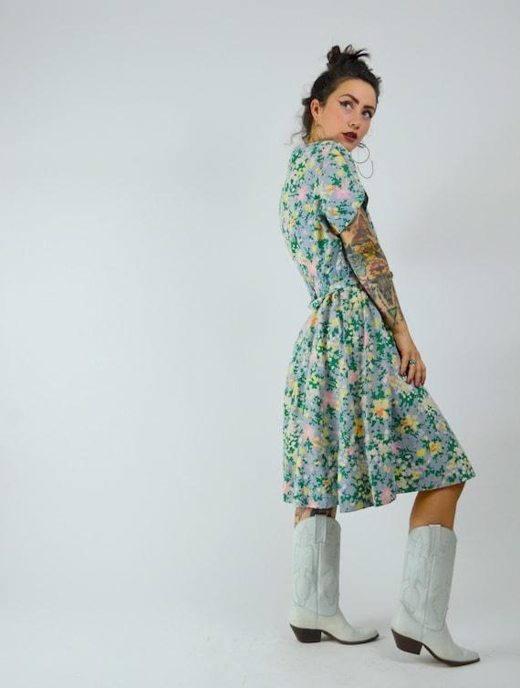 MEDIUM 1940s Cotton Day Dress Vintage Floral Shir… - image 3