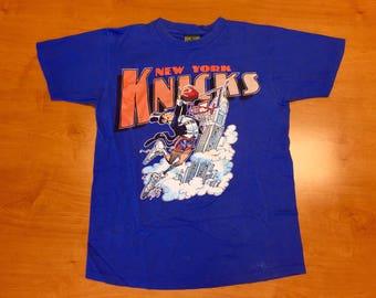 44d103a34 Vintage 1990s New York Knicks T-Shirt tee jersey hat mark jackson xavier  mcdaniel latrell sprewell charles oakley smith penny hardaway nba