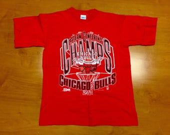dfc3cb4f4 Vintage 1991 Chicago Bulls T-Shirt tee jersey jordan pippen rodman kukoc  paxson armstrong nba finals champs champions grant harper kerr