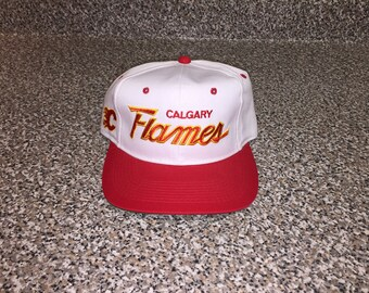 50d009ee7e32bf Vintage 90s Calgary Flames Sports Specialties Script Twill Hat - snapback  sharktooth jersey starter fleury kidd housley iginla wool