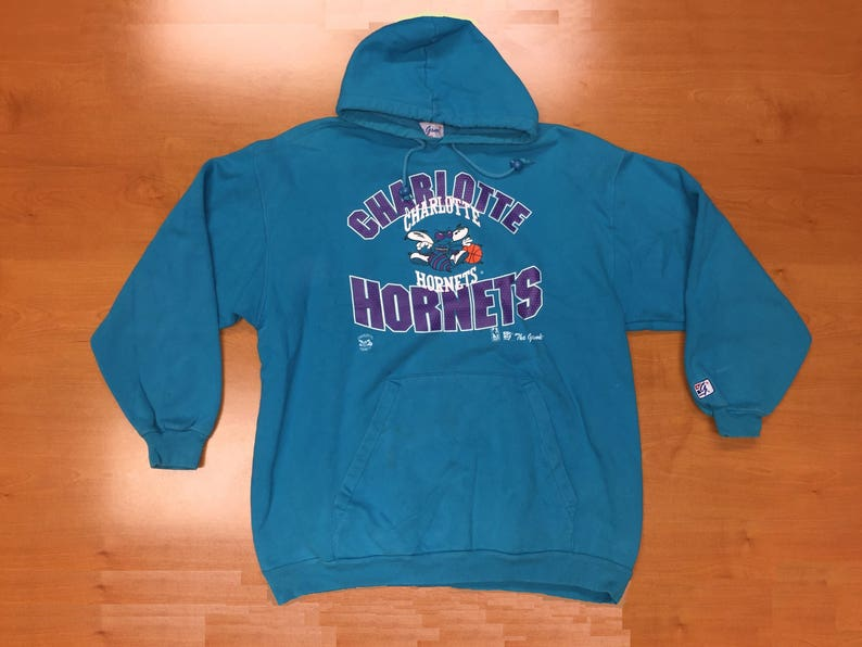 Vintage 1990s Charlotte Hornets The Game Sweatshirt Size XL hoodie crewneck  starter jersey alonzo mourning michael jordan new orleans nba adb1a99eb