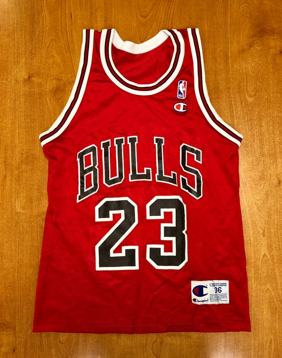 buy online 91348 df42c Vintage 1996 Michael Jordan Chicago Bulls Champion Jersey Size 36 small nba  finals hat shirt scottie pippen authentic air jumpman gold 45