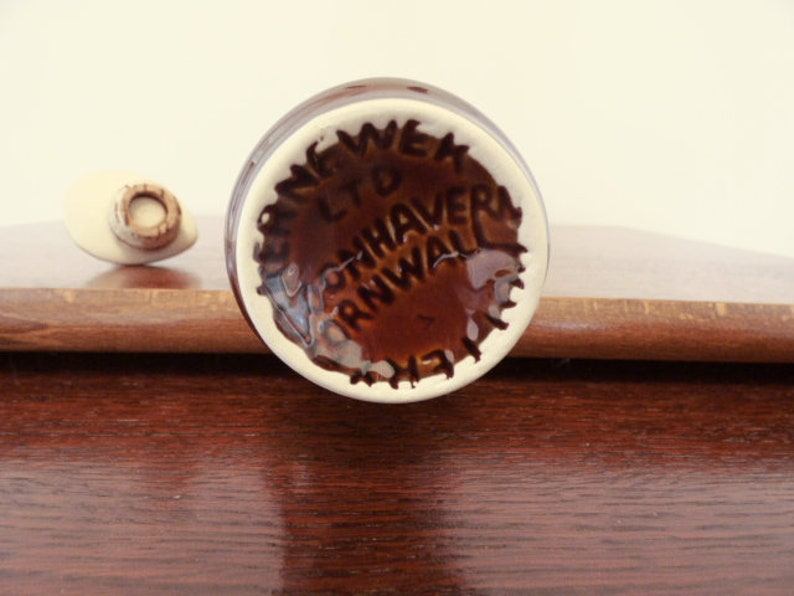 Kernewek Honeycomb Vinegar or Oil Pottery