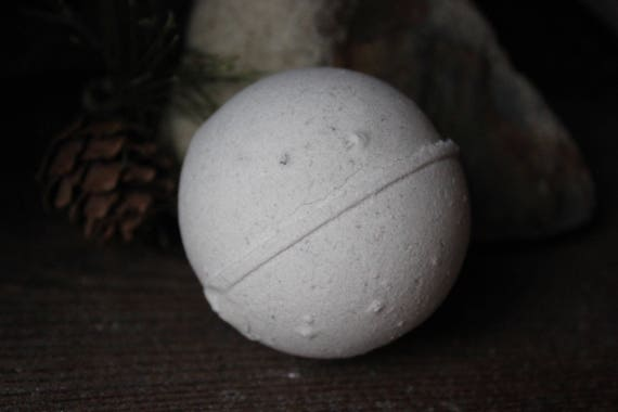 Bath Bomb/Clean Hippie/Eucalyptus/Lavender/Tea Tree/Patchouli/Essential oil/Epsom Salt/Bath Product/Bath and Body/Minty Fresh/Fizzy Bath