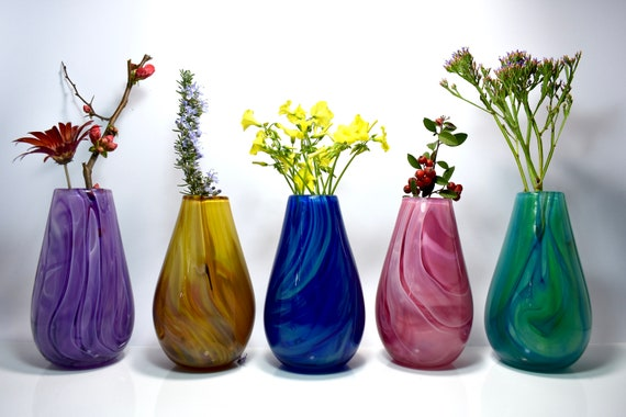Decorative Vase Flowers Bouquet Hand Blown Glass Swirls Uniquely Shaped NEW!