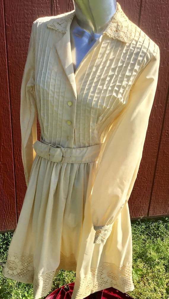 1930s Off White Lace Dress