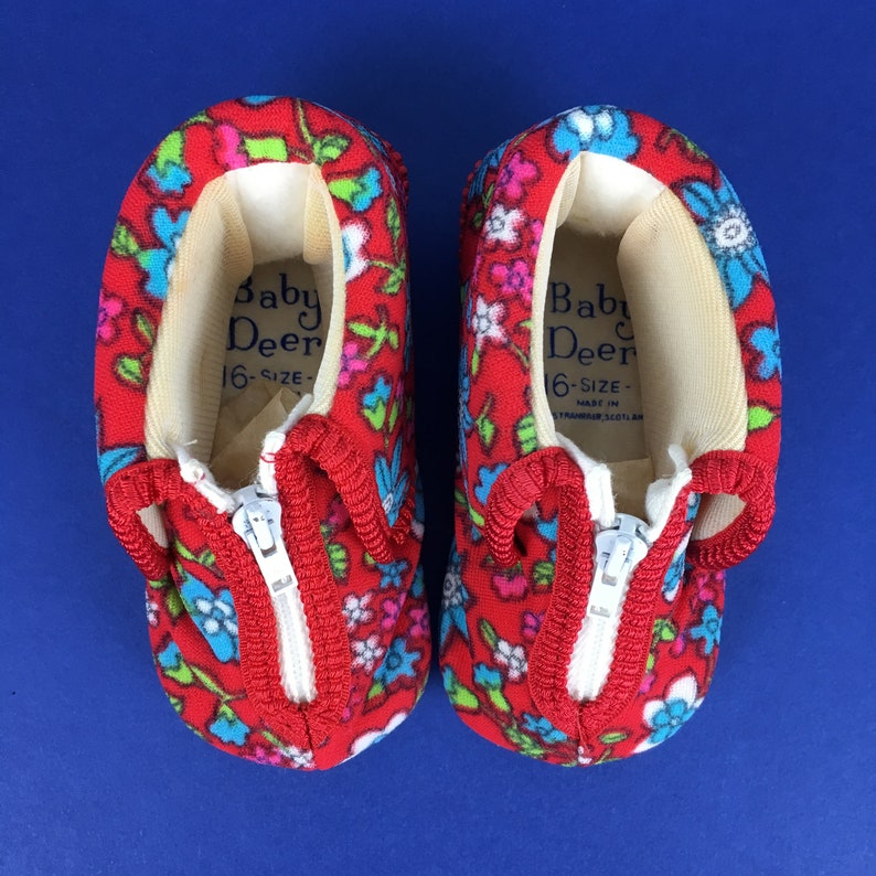 Vintage 1960s 1970s Baby Deer kids colourful red blue floral fleece first slippers deadstock retro 0 3 6 9 months baby boys girls boxed gift