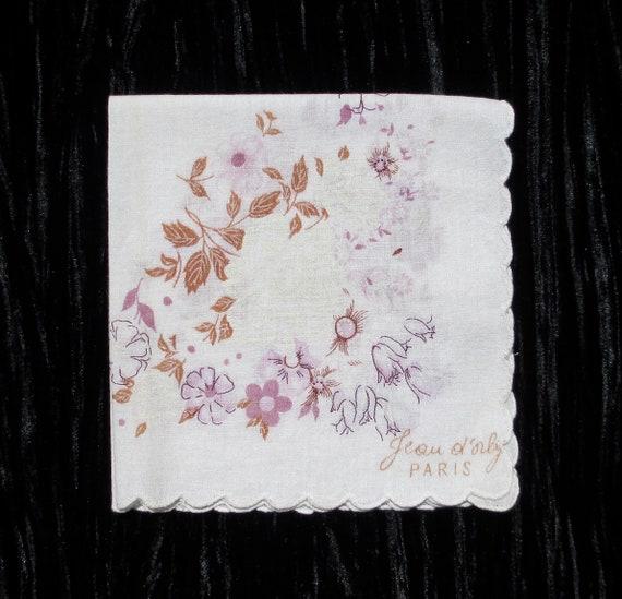 Vintage Fashion Gift Women/'s Summer Accent Accessory Scalloped Edge Jeou d/'orly Paris Floral Handkerchief White Pastel Purple Flowers
