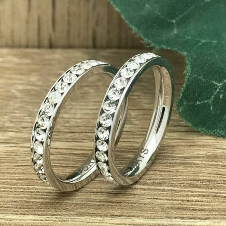 Engagement & Wedding Sterling Silver 925 8MM His & 3MM Hers Couples Hearts Matching Wedding Set Bands