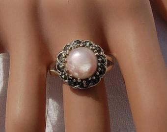 Silver Vintage Ring with a Rose Quartz gem.   US size 9    UK size R.5