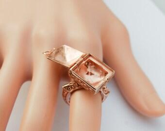 Unique design Vintage Poison Ring.    US Size 7   UK Size O
