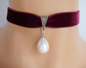 wine velvet choker, pearl bridal choker, stretch ribbon, burgundy velvet, mother of pearl shell