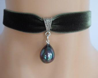 pearl choker, green velvet choker, shell pendant, mother of pearl, stretch ribbon, olive green velvet