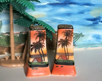 Vintage Palm Tree Salt and Pepper Shakers, Made in Japan, Vintage Palm Tree