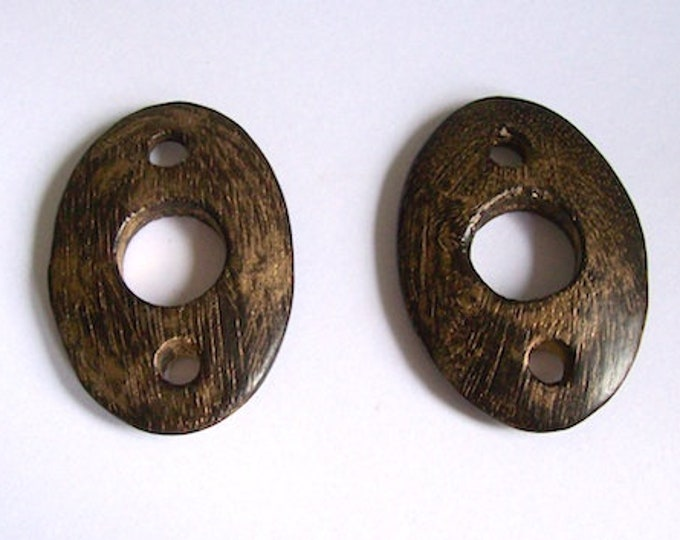 large wooden buttons wood pack 2 can be used for decoration or for bag clasps