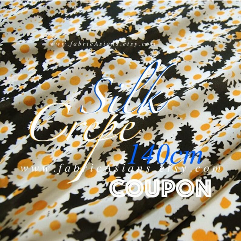 black silk crepe de chine yellow daisy fabric 100/% Silk Width 55