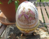 60s French porcelain egg, galant scene with roses and gold decoration, Limoges style opening box