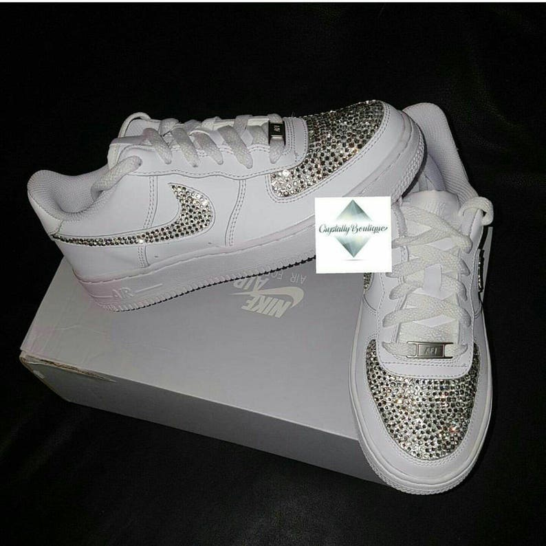 Adulte Bling Swarovski & strass personnalisé Nike Air Force Ones blanc taille 6 7 8 9 10 11 UK tout neuf !
