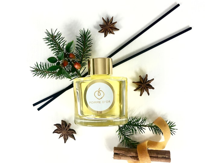 Cosy Christmas Scented Reed Diffuser