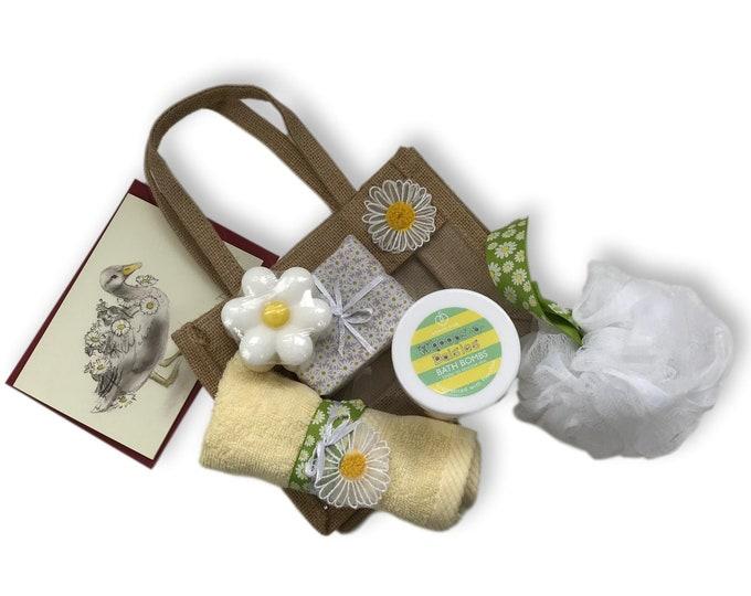 White Daisy Gift Bag - Bath Set